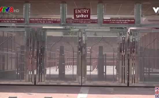 Ấn độ mở cửa trở lại đền Taj Mahal