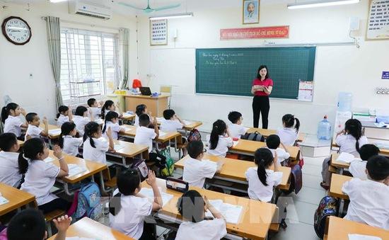 Các trường học ở Quảng Ninh chống lạm thu đầu năm học