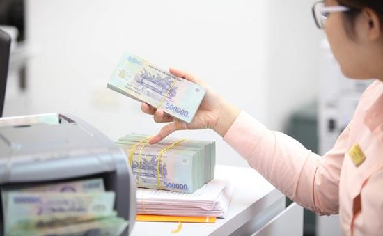 Tiếp tục giảm lãi suất để kích cầu tín dụng tiêu dùng