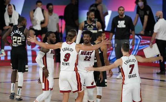 NBA Playoffs 2020 - ngày 3/9: Khoảng cách sít sao