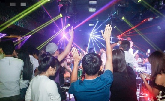 Quán bar, karaoke ở Hà Nội được hoạt động trở lại từ 0h ngày 16/9