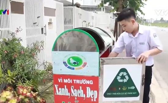 Ấn tượng thùng rác thông minh do học sinh Việt chế tạo