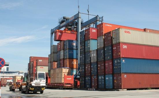 """Giá thuê container leo thang """"chóng mặt"""""""