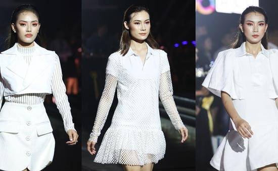 """Khán giả """"mãn nhãn"""" với bộ sưu tập thời trang lấy cảm hứng từ NovaWorld Phan Thiet của Lý Giám Tiền"""
