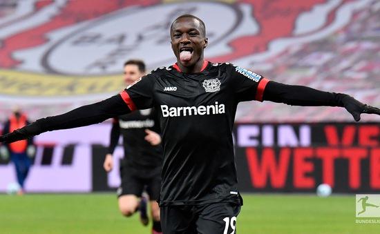 Vòng 17 Bundesliga: Diaby tỏa sáng, Leverkusen đánh bại Dortmund