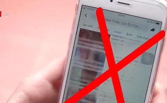 Từ những chiếc điện thoại, trẻ dễ bị xâm hại trên không gian mạng