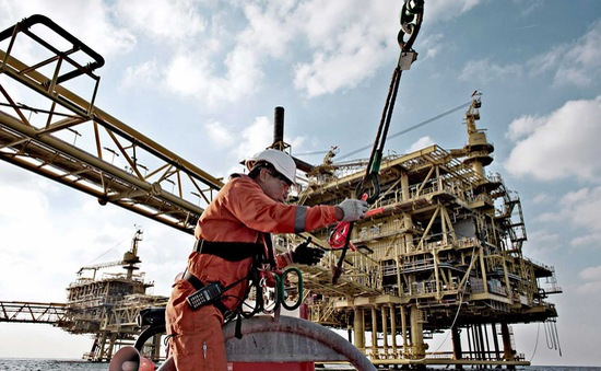 Chính trường Mỹ tác động thế nào đến giá dầu?