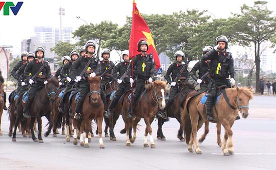 ẢNH: Diễn tập xử lý gây rối, đánh bắt khủng bố bảo vệ Đại hội XIII của Đảng