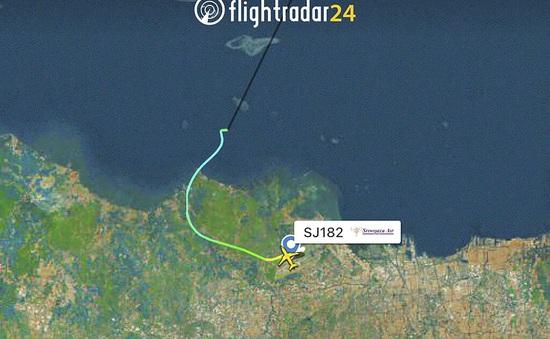 Indonesia xác nhận máy bay mất liên lạc đã rơi xuống biển, không có dấu hiệu của người sống sót