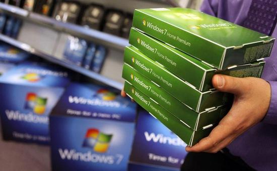 """Sau 1 năm khai tử, Windows 7 vẫn đông người dùng đến """"kinh ngạc"""""""