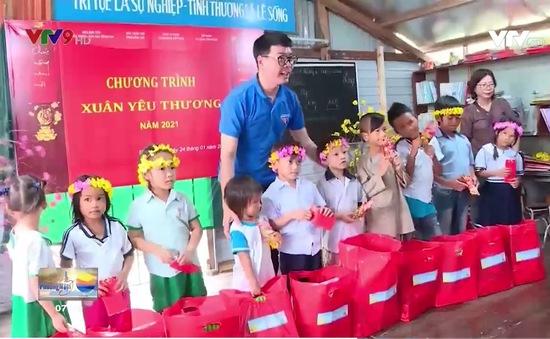 Chăm lo cho trẻ em nghèo Đồng Nai