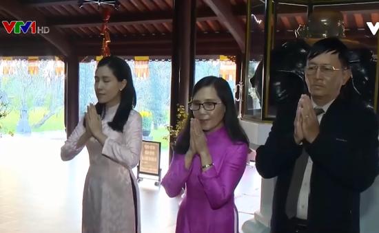 Đi lễ chùa đầu năm - Nét đẹp văn hóa Huế