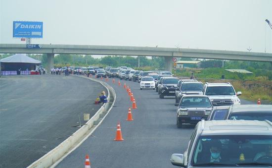 Cao tốc Trung Lương - Mỹ Thuận cho lưu thông tạm dịp Tết