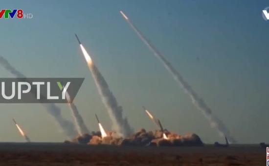 Iran thử tên lửa thông minh tầm trung mới
