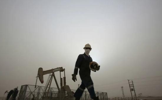 Giá dầu châu Á tiếp tục tăng mạnh