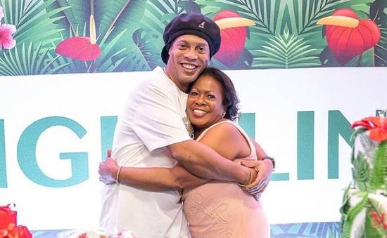 Mẹ của Ronaldinho qua đời vì COVID-19