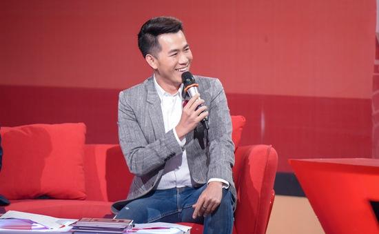 """Hồ Trung Dũng từ """"fan"""" trở thành giám khảo chương trình của sinh viên"""