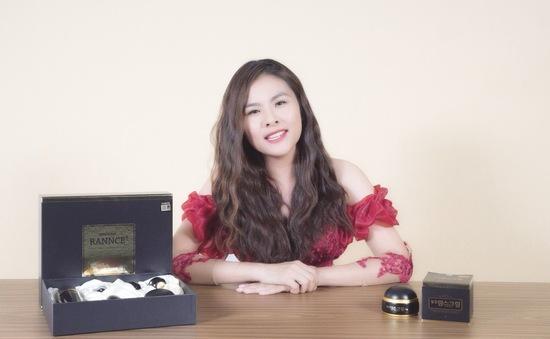 Bí quyết nào giúp Vân Trang ngày càng đẹp mặn mà, thanh lịch?