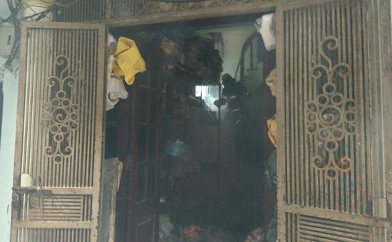 Cháy nhà trong phố cổ Hà Nội, cả khu phố náo loạn