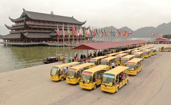 Du khách tăng đột biến, chùa Tam Chúc tìm giải pháp đảm bảo an toàn chống dịch