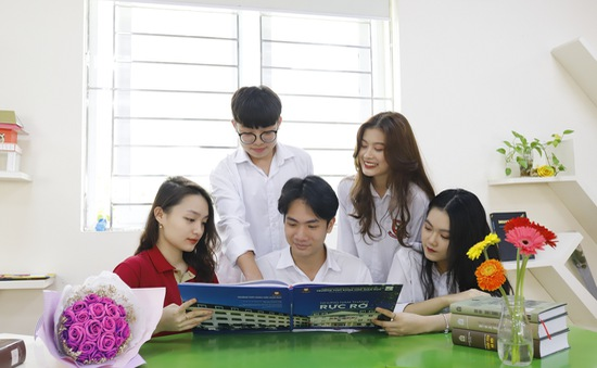 Đại học Giáo dục tuyển 450 chỉ tiêu lớp 10 THPT năm học 2021 - 2022