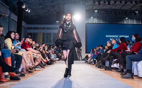 Sinh viên Kiến trúc thể hiện khả năng thiết kế thời trang