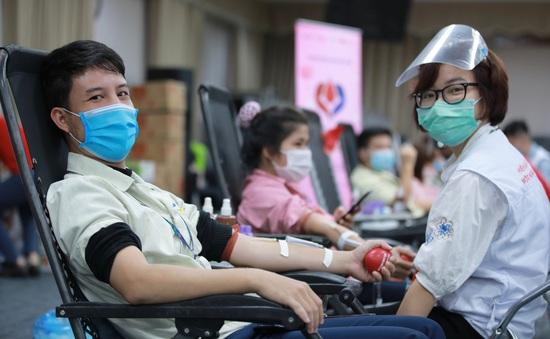 Chung dòng máu Việt hiến tặng 15.000 đơn vị máu trong năm 2020