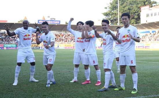 """Vòng 9 V.League 2021: Bùng nổ những """"chảo lửa"""", Hoàng Anh Gia Lai vững ngôi đầu"""