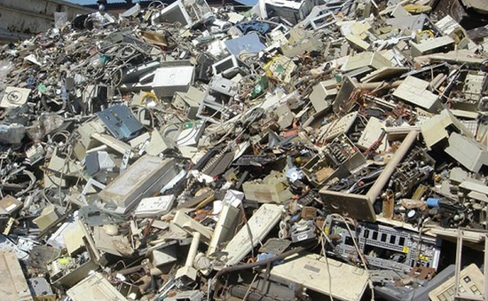 Phong trào xử lý rác thải điện tử tại Dubai