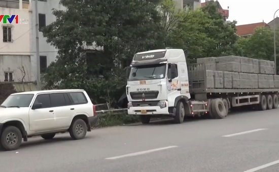 Nhiều lái xe quá tải không hợp tác trong xử lý vi phạm
