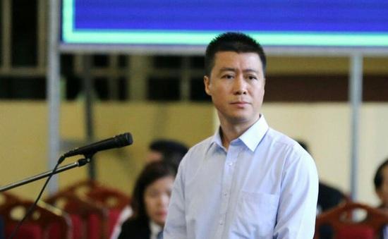 """Vừa ra tù, """"trùm"""" vụ đánh bạc nghìn tỷ Phan Sào Nam có thể phải quay lại trại giam"""