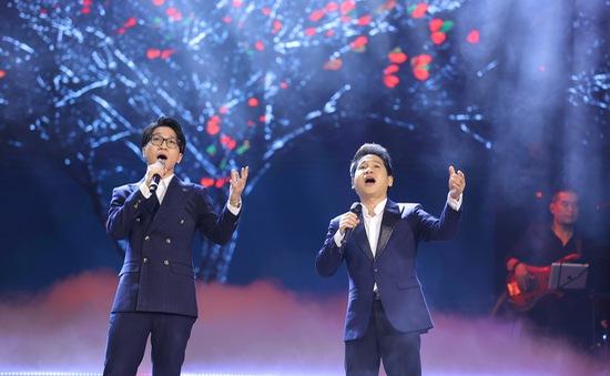 """Trọng Tấn và màn song ca đỉnh cao cùng con trai trên sân khấu """"Con đường âm nhạc"""""""