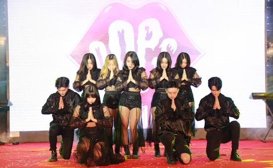 Học sinh THPT Hà thành 'cháy' hết mình trong Đêm Dạ Vũ sôi động