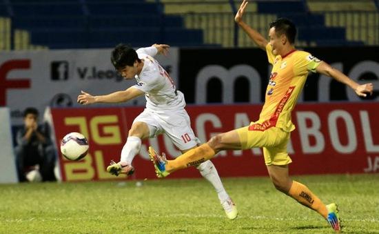 Chùm ảnh: Công Phượng ghi bàn, Hoàng Anh Gia Lai giành 3 điểm trước Đông Á Thanh Hóa
