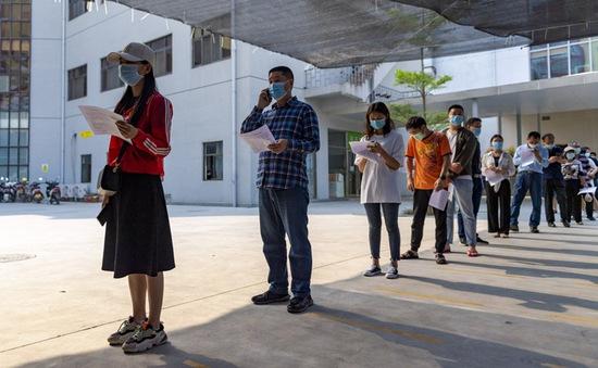 Trung Quốc tiêm vaccine cho cả một thành phố trước nguy cơ bùng phát dịch