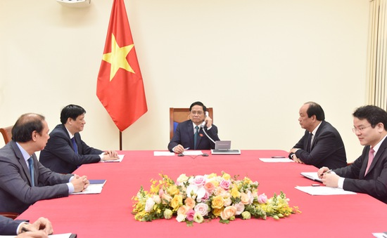 Thủ tướng điện đàm với Thủ tướng Campuchia