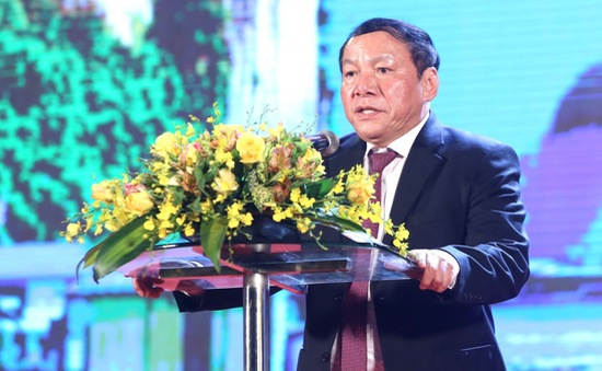 Tóm tắt tiểu sử Bộ trưởng Bộ Văn hóa, Thể thao và Du lịch Nguyễn Văn Hùng