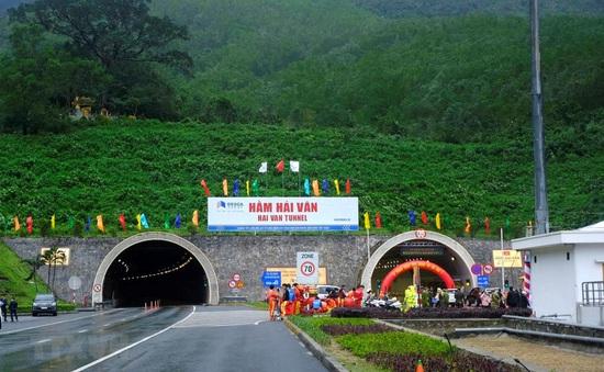 Chính thức tăng mức phí đường bộ qua hầm Hải Vân