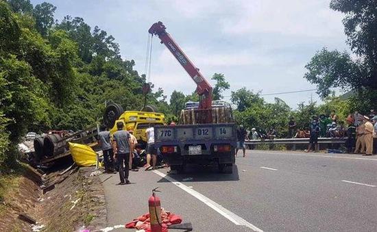 Tai nạn giao thông nghiêm trọng trên đèo Cù Mông, 2 người thiệt mạng