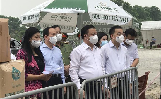 Thủ tướng tặng bằng khen cho các tập thể và cá nhân tiêu biểu trong phòng chống dịch COVID-19