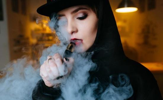 Gia tăng tỷ lệ phụ nữ hút thuốc lá điện tử