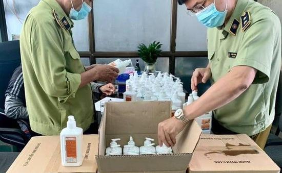 Phát hiện lô 300 chai nước sát khuẩn tay có dấu hiệu giả mạo