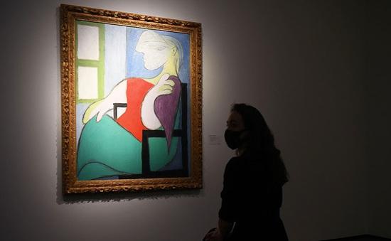 Choáng ngợp, bức tranh sơn dầu được bán với giá 2304 tỷ VND