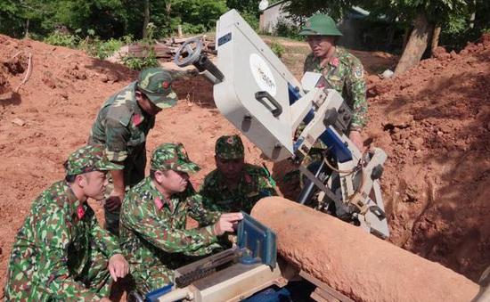 Xử lý thành công 2 quả bom hẹn giờ nặng 500kg