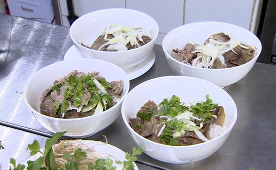 Trải nghiệm ăn phở Việt Nam tại UAE
