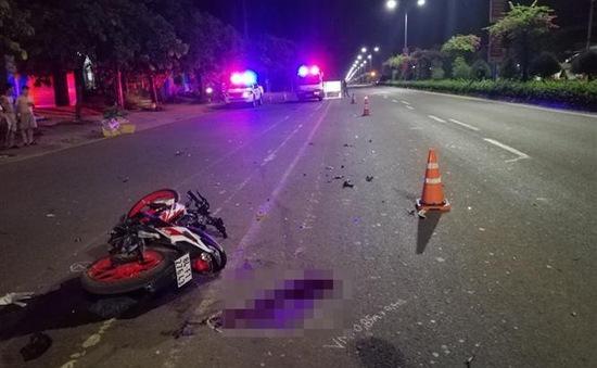 Xe máy tông đuôi xe ba gác máy, 1 người tử vong