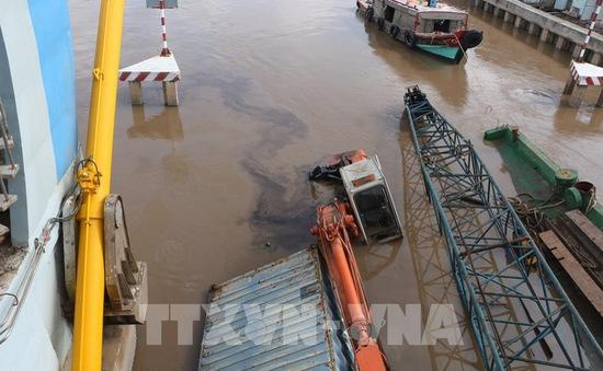 Lại chìm sà lan tại cống Nhà Mát, TP Bạc Liêu