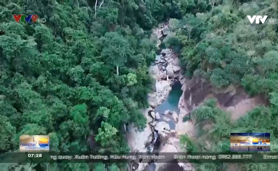 Chinh phục suối Ba Hồ