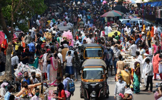 Dân Ấn Độ đổ xô thuê máy bay riêng chạy trốn đại dịch