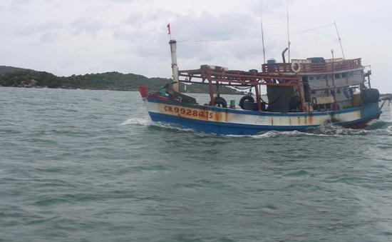 Bắt giữ 40.000 lít dầu DO không rõ nguồn gốc gần đảo Phú Quốc